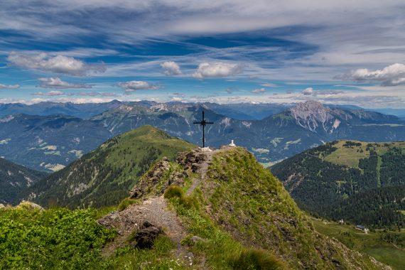 Gipfelkreuz kleiner Trieb